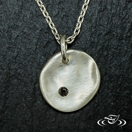 RUSTIC PENDAT WITH 1 BLACK DIAMOND