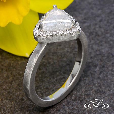 FRENCH SET HALO WITH ROUGH DIAMOND