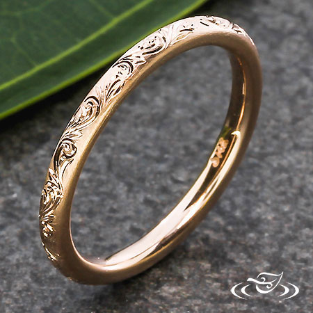 14K ROSE GOLD 2MM ENGRAVED SCROLL BAND