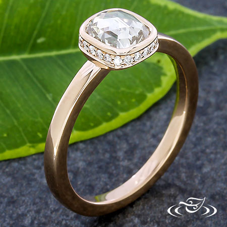 VERTICAL HALO ENGAGEMENT RING