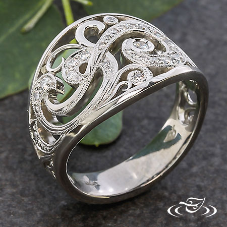 ANTIQUE SWIRL ENGAGEMENT RING