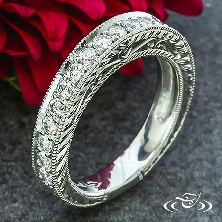HEART FILIGREE WEDDING BAND