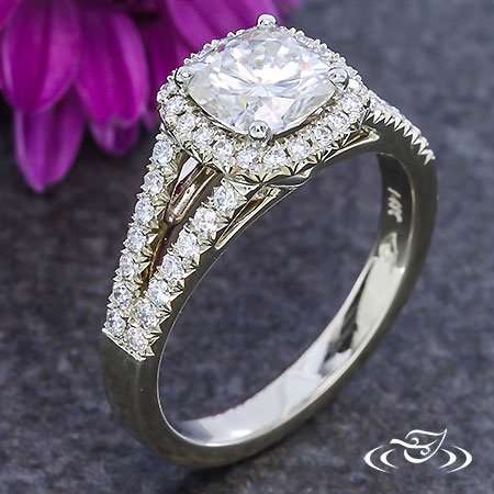 FRENCH SET DIAMOND CUSHION HALO