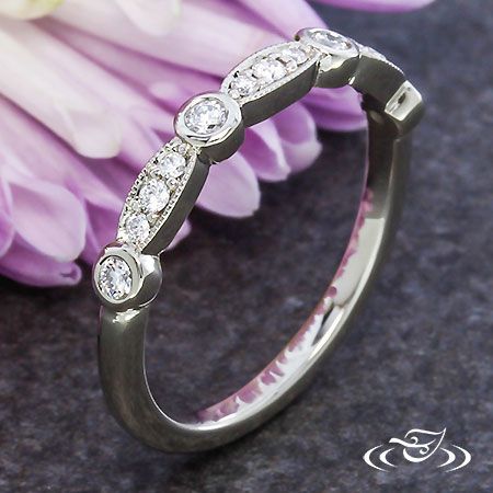 PATTERNED DIAMOND BAND