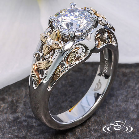 ANTIQUE FLORAL ENGAGEMENT RING