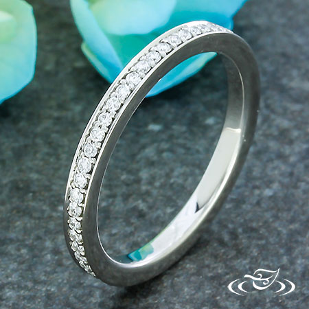 DIAMOND BEAD SET BAND