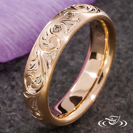 ROSE GOLD SCROLL ENGRAVED BAND