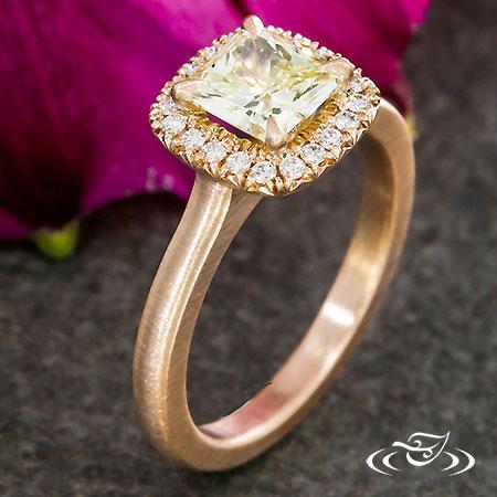 RADIANT YELLOW DIAMOND ROSE GOLD HALO