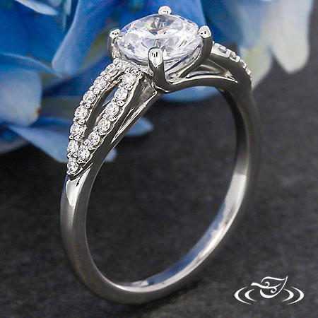 PLATINUM TRELLIS SHARED PRONG DIAMOND RING