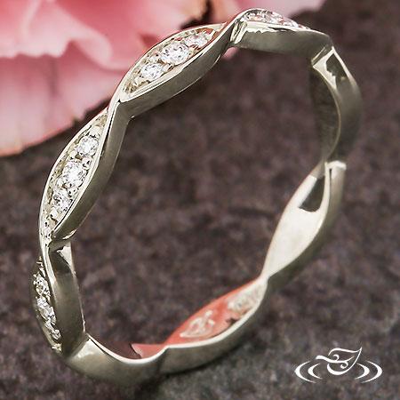 WEAVE DIAMOND WEDDING BAND