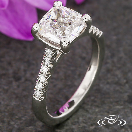 FRENCH SET & CUSHION CUT DIAMOND ENGAGEMENT RING