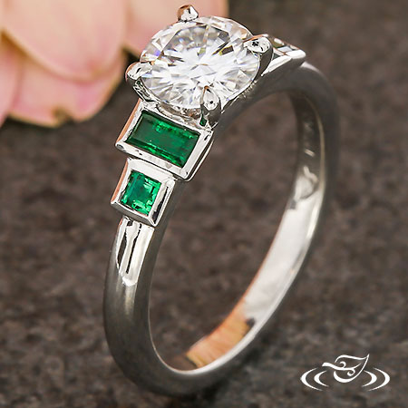 ART DECO EMERALD ENGAGEMENT RING