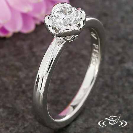CANADIAN DIAMOND SOLITAIRE ENGAGEMENT RING