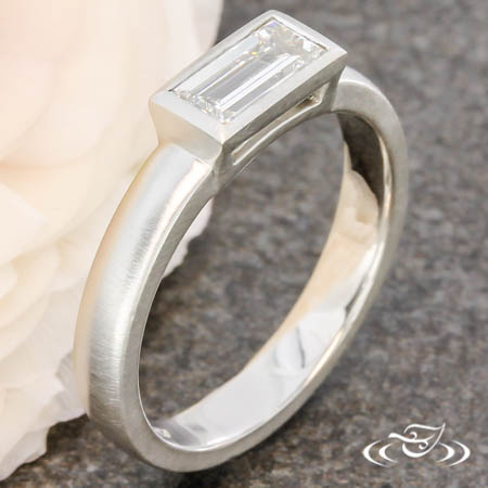 BAGUETTE DIAMOND CONTEMPORARY RING