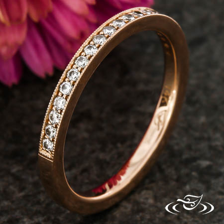 ROSE GOLD BAND WITH BEAD SET DIAMONDS