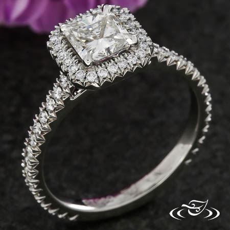 RADIANT CUT DIAMOND  HALO