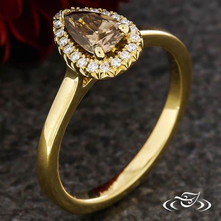FRENCH SET CHAMPAGNE DIAMOND HALO