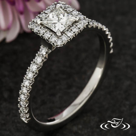 FRENCH PAVE SQUARE HALO