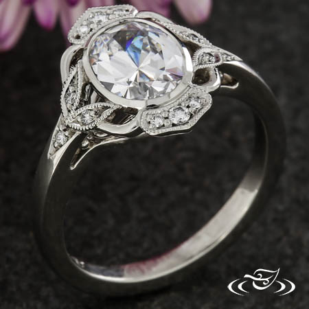 OVAL ENGAGEMENT RING WITH FILIGREE