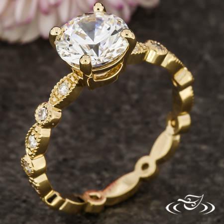 SCALLOPED DIAMOND RING