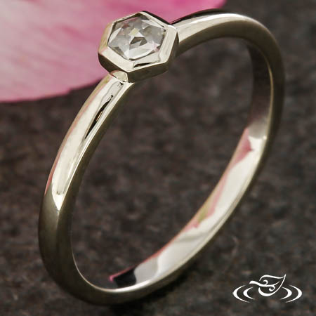 HEXAGON ROSE CUT RING