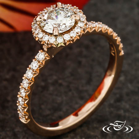 FRENCH PAVE HALO