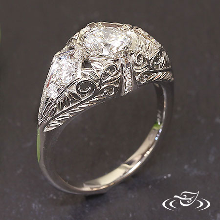 14KT WHITE GOLD ANTIQUE STYLE ENGAGEMENT RING