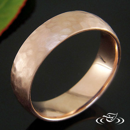 LOW DOME 14KT ROSE GOLD BAND WITH HAMMER TEXTURE