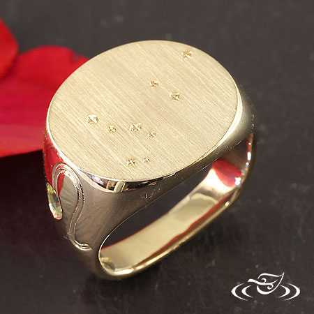 14K YELLOW SIGNET WITH LEO ZODIAK AND CONSTELLATION