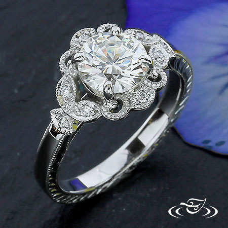 PLATINUM ANTIQUE HALO